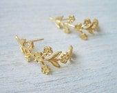 Half-Hoop Branch Earrings in Gold