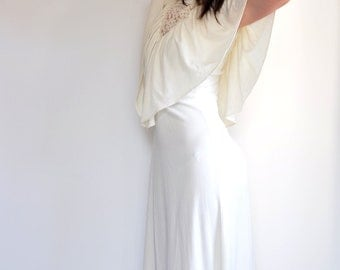 vintage bohemian //WEDDING GOWN // wedding dress 70's lace with cape // medium