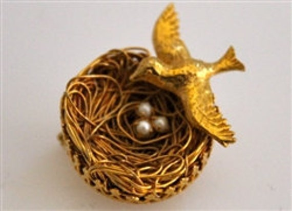 Vintage 60s signed Jeanne bird and nest brooch pin