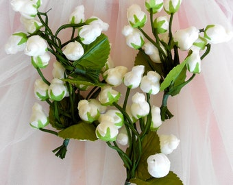 Set of White Puffy Rosebuds