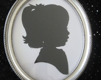 8x10 Silver Oval Wood Frame for Silhouettes