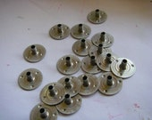 100 Round 15 x 6 mm Candle Wick Tabs Sustainer Bases