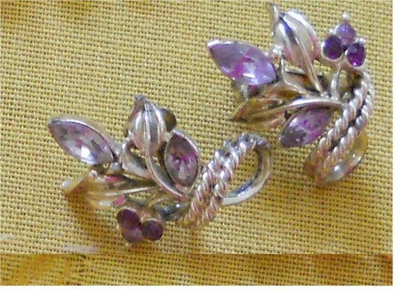 Coro earrings jeweled marquis tear shaped jewel lavender purple 50s vintage collector
