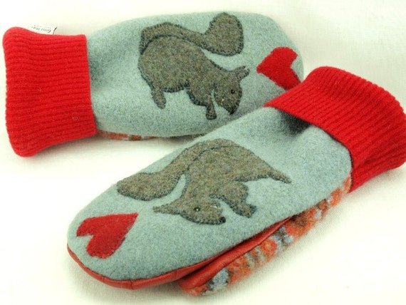 Wool Mittens Squirrel Appliqued Light Blue Grey and Red Fleece Lining Suede Palm Up Cycled Eco Friendly Size M