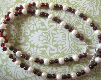 Red Garnet with Fresh Water Pearl Necklace