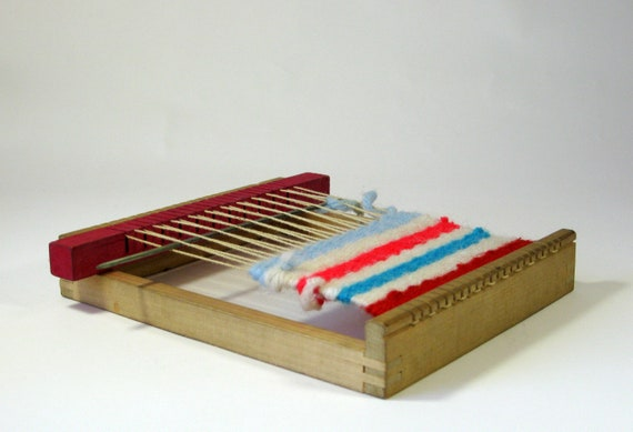 Wooden weaving Loom and Jiffy needle