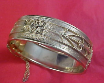 Gilt Gold Ornate Design  -  Signed BABE RUTH -  Safety Chain Hinged Cuff Bangle
