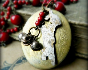 Vintage Locket Necklace.  Oxblood Bead Necklace with Vintage Key for Valentines Day.