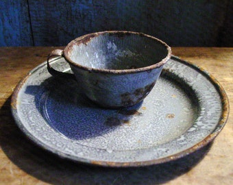 Vintage Graniteware Cup & Plate, Farmhouse Kitchen Decor, Gray Graniteware, Primitive Kitchen Decor, Primitive Graniteware, Gray Enamelware