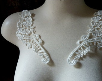Lace Applique Pair in Cream Ivory Venise Lace for Jewelry Supply, Altered Couture, Costume Design PR 6