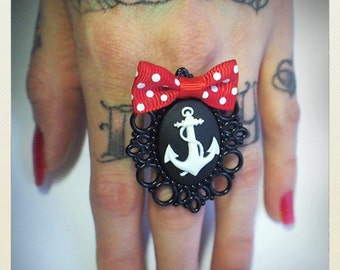 Large Old School Pin Up- Anchor ring, red