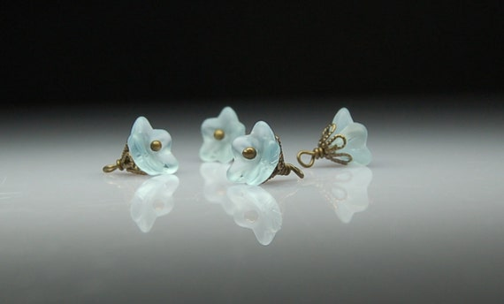 Vintage Style Bead Dangles Alexandrite Glass Flowers Set PR115