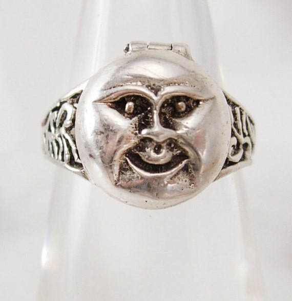 Reserved for ITA Vintage sterling Man in the MOON Poison Ring Mystical hidden treasure box size 7 1/2