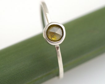 Rose Cut Yellowish Green Diamond Bloom In Silver