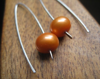 orange pearl earrings. sterling silver pearl earings. bridesmaid gift.