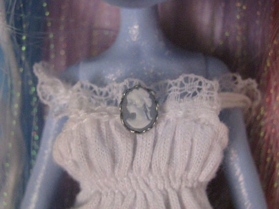 Tiny Blue and Silver Cameo Brooch Pin Doll Jewelry Monster High Silkstone Barbie Fashion Royalty Tyler Gene Momoko Blythe BJD MSD