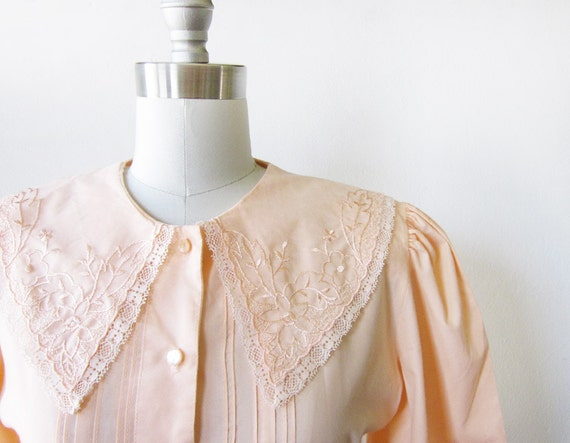 peach lace blouse / vintage 1980s blouse embroidered collar