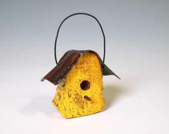 Birdhouse Ornament Yellow Folk Art Rustic Bird House Distressed Wood Home Garden Christmas Decorations