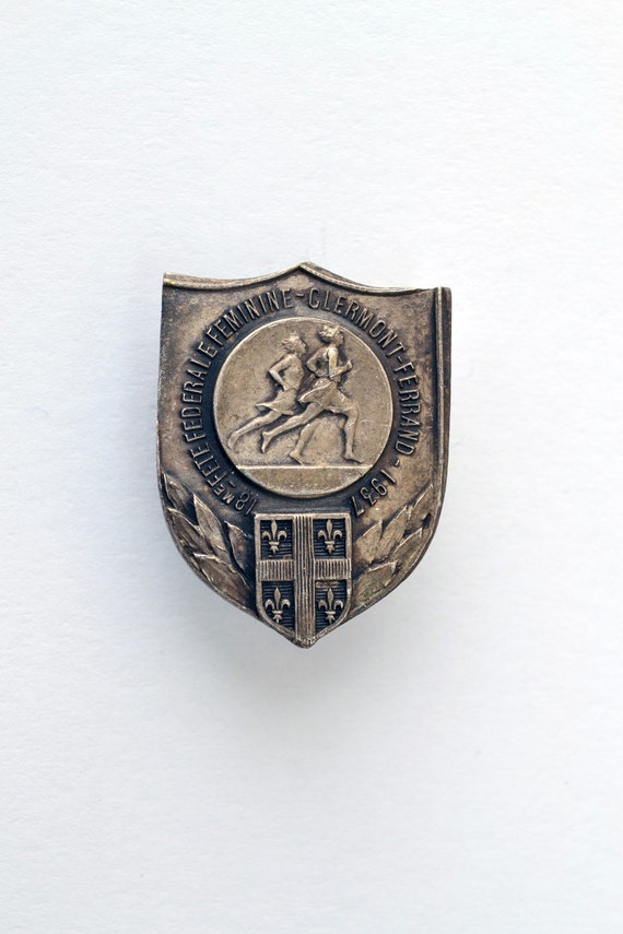1937 French Women's Federal Party Badge