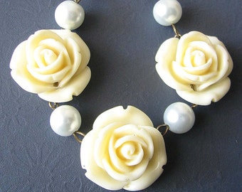 Bridesmaid Jewelry Set Flower Necklace Ivory Jewelry Statement Necklace Rose Necklace Gift Single Strand Beadwork