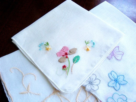 Vintage Floral Handkerchief Set, Mixed Flower Applique and Embroidered Hankies, White Cotton Hanky