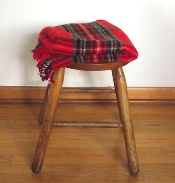 Vintage 80s Burkraft Tartan Throw. Royal Stewart Lap Blanket. Wool Plaid Throw. School Games. Stadium Blanket.