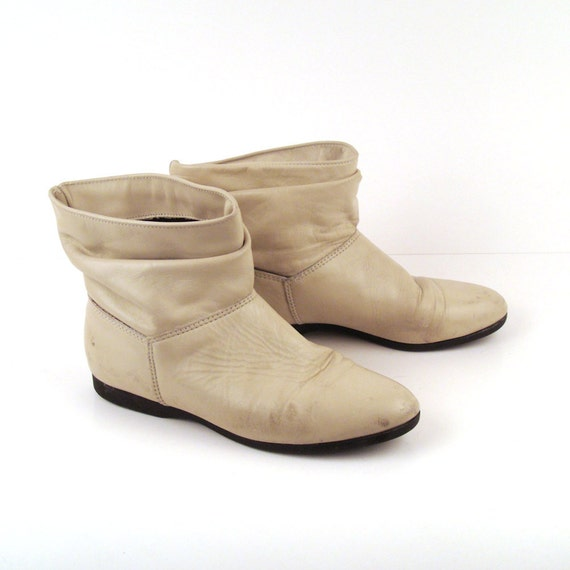 Vintage 1980s off White Leather Short Ankle Boots Women's size 7