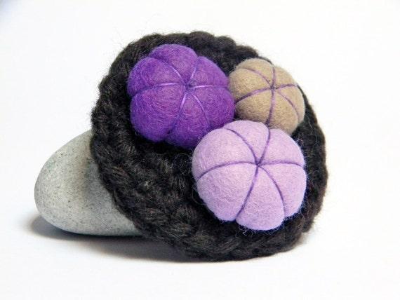 Expresso brown crocheted wool yarn brooch, felt flowers, violet, lilac, purple, taupe. Yarn jewelry.