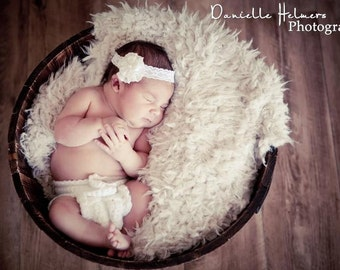 Hypoallergenic & Washable LARgE Short Faux Fur Newborn Photo Props,  Lullaby Lamb, Baby Photography Props Faux Fur, Fur, Backdrop, Short