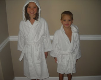 Children's Robe White Terry Cloth Hooded Bathrobes Personalize Name on Front 2 sizes to choose. Very thick and cozy.