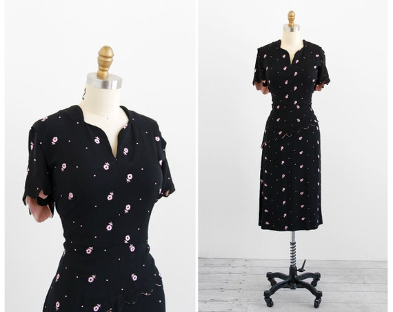 r e s e r v e d - 1940s plus size dress / 40s plus size dress / Black and Pink Embroidered Floral Dress