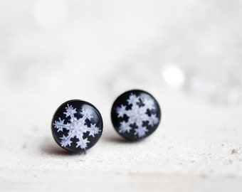Snowflake stud earrings - Snowflake jewelry - Tiny stud earrings - Winter jewelry for her - Snow earrings - Snowflake studs (E123)