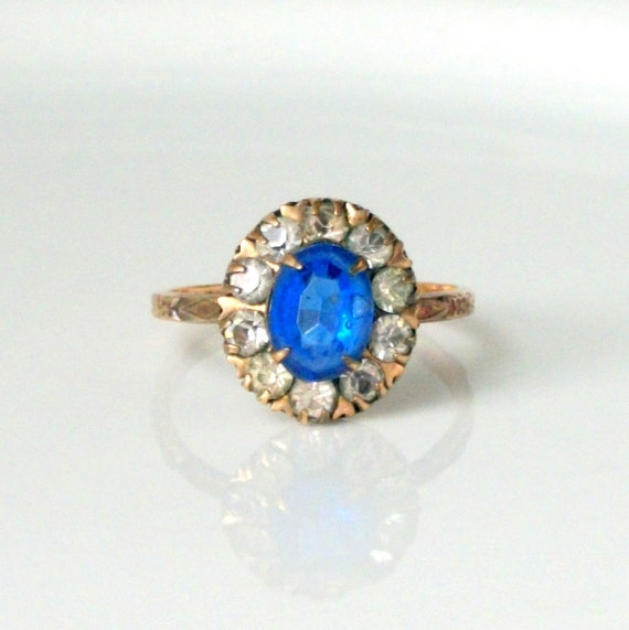 Art Deco Ring . Blue with Rhinestone Halo. Plastic and Gold Fill.
