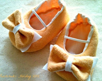 Holiday Butterscotch Felt Bow Tie Classic Maryjane Shoes Sizes 0-18 months customizable
