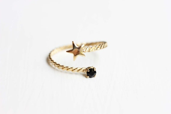 Star and Stone Spiral Ring