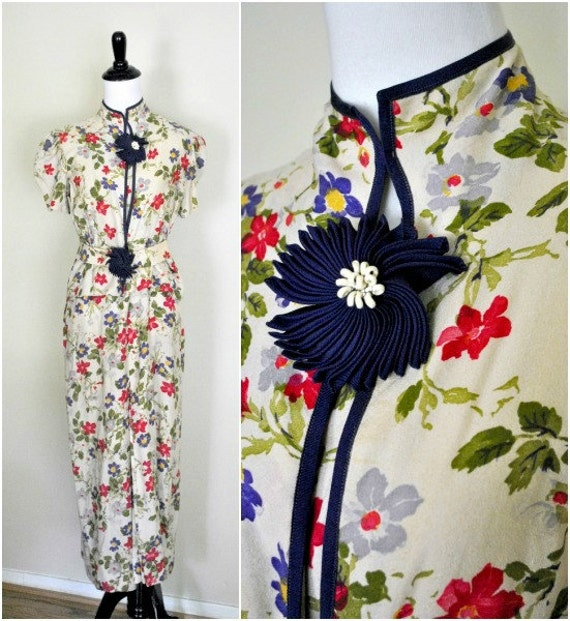 1940s Floral Dress/ Rayon Crepe with High Neck and Flower Decorations/ Size Medium