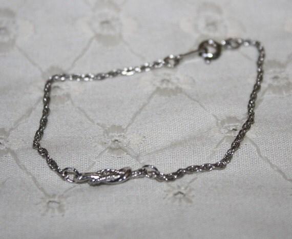 FINAL CLEARANCE PRICE Silver Knot Bracelet