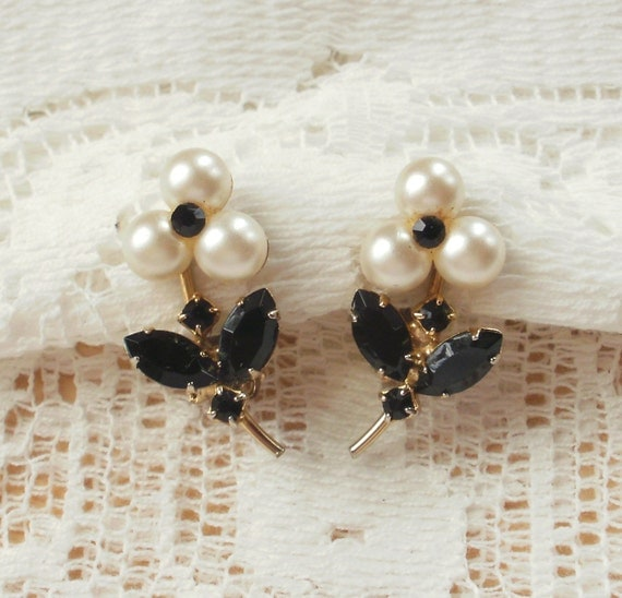Vintage Faux Pearl and Black Glass Flower Earrings