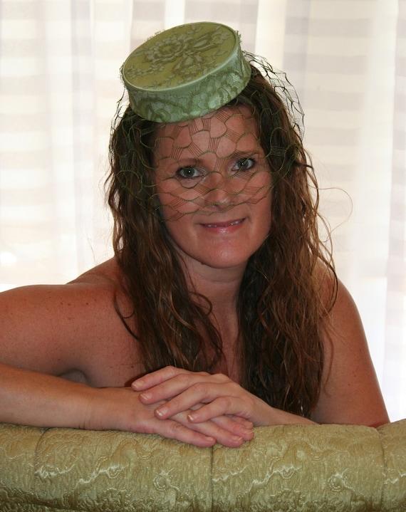 The Little Green Pill - Pillbox Hat - Ladies Hat - 1950's - Wedding Wear - Green Lace