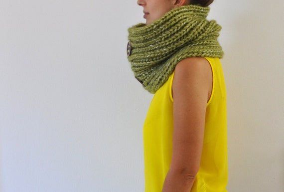 Chunky Cowl Scarf Neckwarmer with Buttons Green Peridot Pistachio Green Big Warm Cozy Hand Knit Winter Accessories Winter Fashion