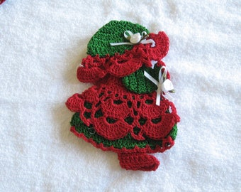 Red Green Christmas Sun Bonnet Doll Sunbonnet Girl Crocheted Decorative Magnet Crochet HANDMADE New Kitchen Decor Many Colors Available
