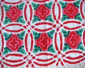 Large Vintage Throw Rug in Red and White Wedding Ring Vintage Chenille  64 x 34 Inches