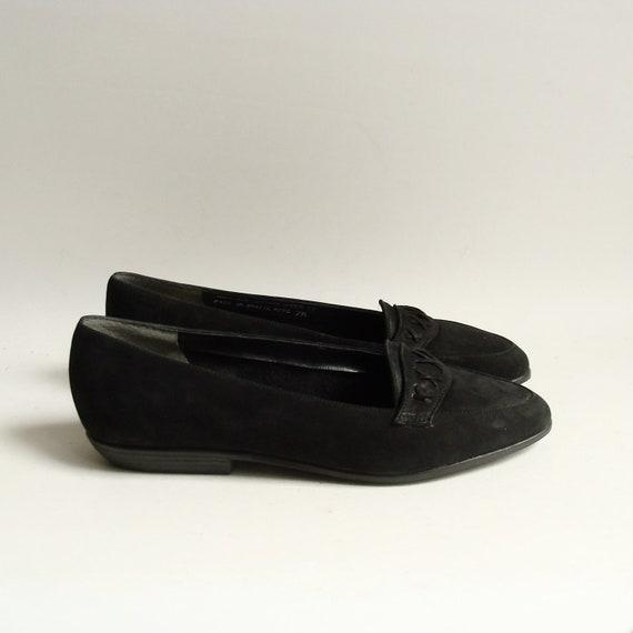 shoes 6.5 / black suede flats / 80s 1980s flats / Bass shoes / woven loafers / shoes size 6.5 / vintage shoes