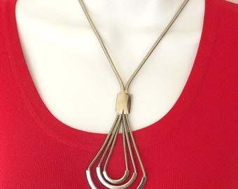 Silver Tone Vintage Necklace Pendant Style Retro 1960 Costume Jewelry