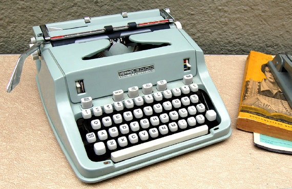 Hermes 3000 Typewriter - Owners Manual and Case