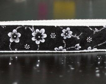 Black with silver flowers keychain wristlet