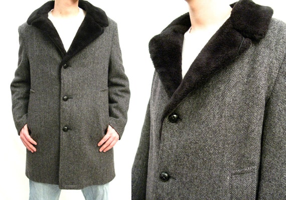 Mens Vintage Coat - 70s Gray Herringbone Tweed Wool Winter Jacket Faux Fur Collar 38 40 Size Medium FREE US Shjipping