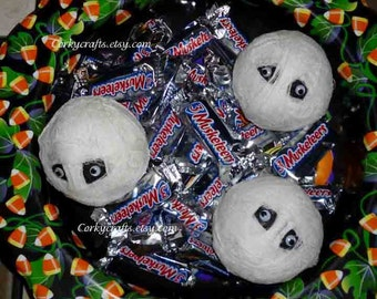 Sale Mummy heads, bowl filler/ vase filler, Halloween Centerpiece, Trick or Treat bowl filler, set of three