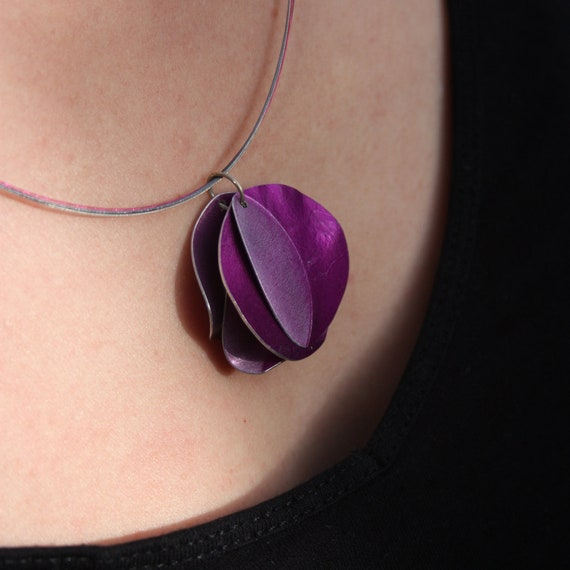 Purple leaf cluster pendant on stainless steel coloured wires