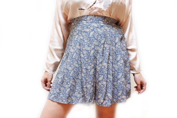 Vintage 80s Pleated High Waist Skirt - Blue Paisley Floral Short - M / L